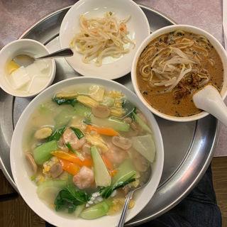 五目チャーハン海鮮あんかけ 半タンタン麺セット