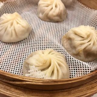 酸辣湯麺 と 小籠包のセット
