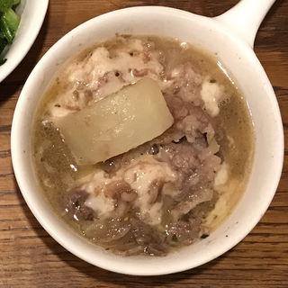 牛肉とゴボウの大根煮込み。(Cafe&Deli COOK (カフェアンドデリ クック))
