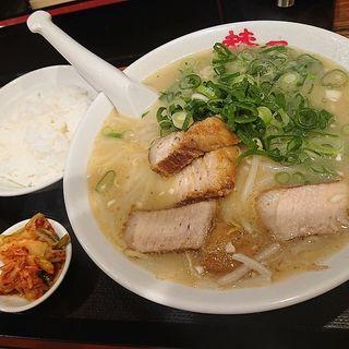 ラーメン定食(らーめん 賛平 (らーめん SAN-PEI))