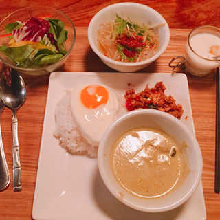 ガパオライス/グリーンカレー(モンスーンカフェ 渋谷 (Monsoon Cafe))