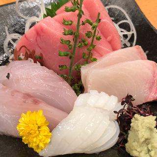 刺身盛合せ(地魚回転寿司 丸藤 本店 (まるふじ))