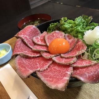 ローストビーフ丼(浪花焼肉 肉タレ屋)