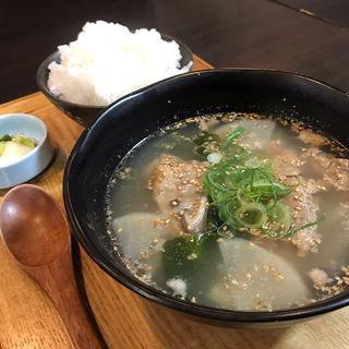 テールスープ定食(浪花焼肉 肉タレ屋)