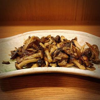 4種キノコのバター正油炒め(栃木屋 )