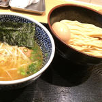 半熟味玉濃厚魚介つけ麺