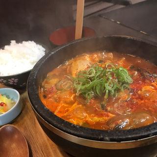 ユッケジャンスープ(浪花焼肉 肉タレ屋)