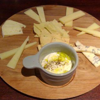 七種類チーズ盛り合わせ(俺のイタリアンJAZZ)