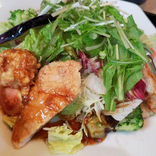 鶏むね肉と野菜の香辛たれ