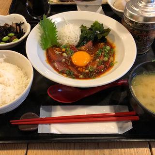 ぶりユッケ定食(梅山鉄平食堂 )