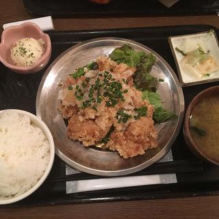 鶏もも唐揚げ定食(どいちゃん 本店 )