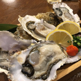 生かき(魚菜食 しゃもじや (ぎょさいしょく しゃもじや))