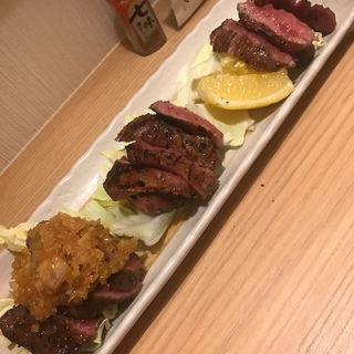 牛タン3種盛り(ネギ塩タン、味噌タン、塩タン)(牛タン居酒屋たんたん)
