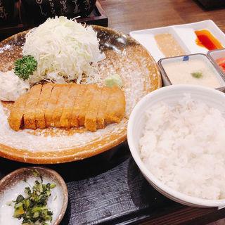 牛ロースかつ麦めしセット(牛かつ もと村 東京駅八重洲口店 )