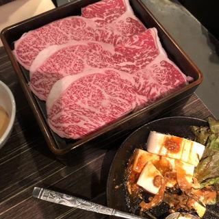 特選黒毛和牛しゃぶしゃぶ(特上ロースと野菜盛り合わせ