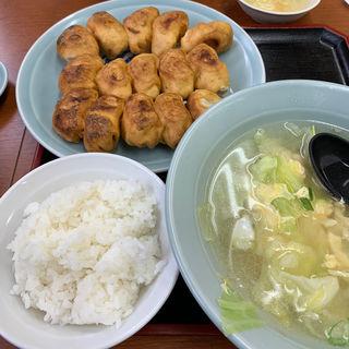 焼き15+ワカメスープセット(ホワイト餃子 高島平店 (ホワイトギョウザ))
