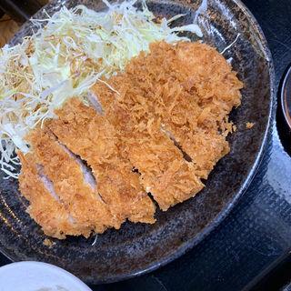 厚切ロースカツ定食(とんかつ まるや 新橋駅前本店)