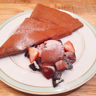 チョコレートづくしのストロベリーショコラクレープ(ジェラートピケカフェビオコンセプト)