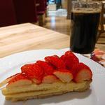 ケーキセット(苺のタルト、アイスコーヒー)(delices(tarte&parlor))