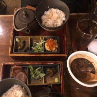 マグロの漬け茶漬け(お茶漬けBAR・離れ個室 ZUZU)