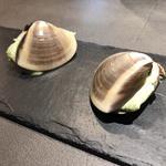 蛤、ブロッコリーのムースとズワイガニ