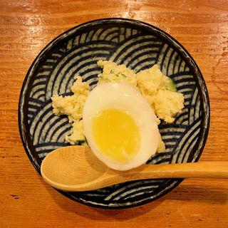 トリュフ香る半熟卵のポテサラ(てっぺん大和家)