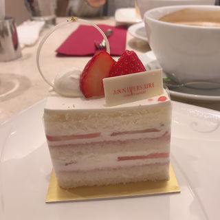 ショートケーキ(アニヴェルセル カフェ (ANNIVERSAIRE CAFE))
