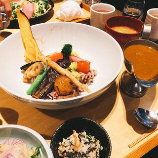 お野菜たっぷりカレー定食(やさい家めい レミィ五反田店 )