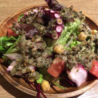 タコとヒヨコ豆のサラダ(カッチャル バッチャル )
