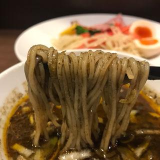 限定 ラムチャーシューの黒胡麻カレーつけ麺(八咫烏)