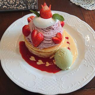 いちごモンブランとクレームダンジュのパンケーキ(カフェアンジェ (Cafe Ange))