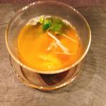 燕の巣と菜の花の上湯スープ