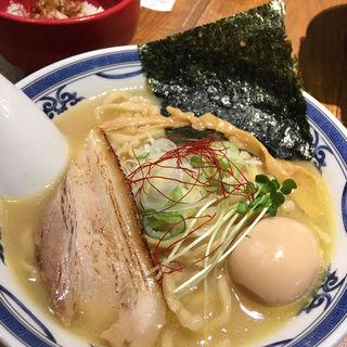 鶏白湯 味玉らーめん(つけ麺や 武双 グランツリー武蔵小杉店)
