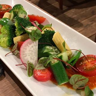 ゴロゴロ野菜のサラダ サルサロメスコ(スペインバル sidra (シドラ))