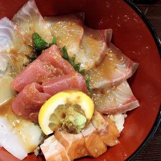 海鮮丼(旬味旬菜 大和)