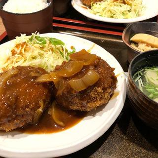 コロッケ定食(肉じゃが、ほうれん草)