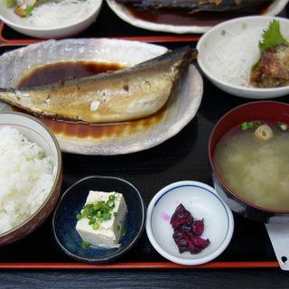 サバの煮付け定食(福魚食堂)