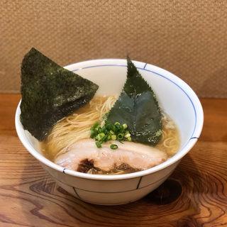 貝だし醤油らーめん(烈志笑魚油 麺香房 三く)