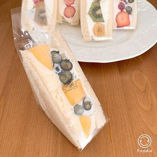 マンゴーとブルーベリーレアチーズ(コダマ (CODAMA))