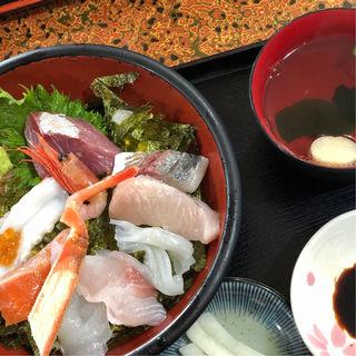 特選魚山丼(魚山亭 (ぎょさんてい))
