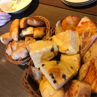 食べ放題のパン(コグスダイニングカグラザカ (COGS DINING KAGURAZAKA))