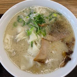 塩豚骨ワンタン麺(博多豚十郎)