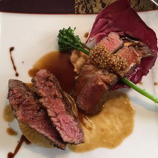 キアニーナ牛ミスジのグリリアとマンガリッツァ豚肩ロースのロースト(レストラン・ピウ)
