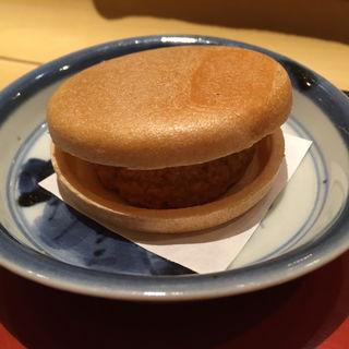 あん肝最中(鮨 かねさか パレスホテル東京店 (すしかねさか))