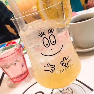 奇跡のレモンスカッシュ(カフェ バーバパパ)
