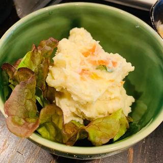 ポテトサラダ(ゴールデンもつ )