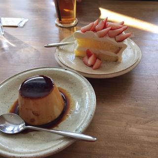 プリン  苺ショートケーキ(パーラートチギ)