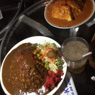 ダブルカレー  コーヒー付き(ユーケーワイルドキャッツカフェ 西宮武庫川店  (U・K WILDCATS CAFE))