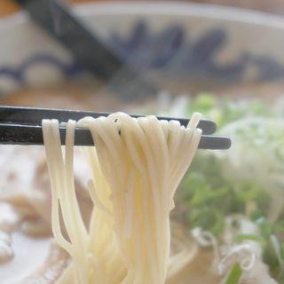糸島豚骨焼豚ラーメン(元祖糸島ラーメン 銅鑼(どら))