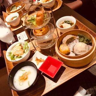李さんの飲茶と中華粥のセット(荘園中華と飲茶 リー ツァン ティン  (Lei can ting))